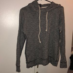 Long sleeve thin pullover